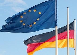 Deutschland- und Europa-Fahnen