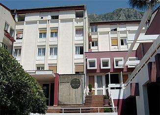 Studentski-dom-Kotor