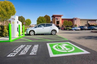 electric-car-charging-station_100499146_m