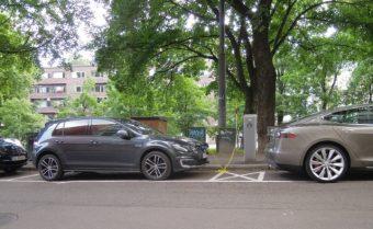 oslo-street-scene-nissan-leaf-volkswagen-e-golf-tesla-model-s-july-2015_100521211_m