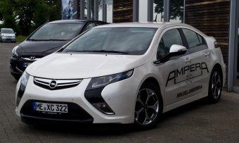 Opel_Ampera_ePionier_Edition_–_Frontansicht,_9._Juli_2012,_Heiligenhaus