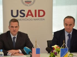 news-2015-April-usaid_elektroprivreda_936341150