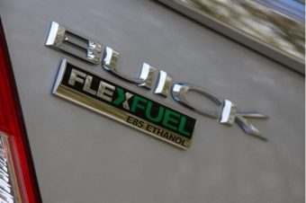 2011-buick-regal-flex-fuel-badge_100341271_m