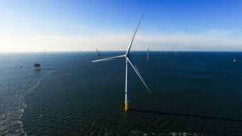 offshore-wind-farm_100590304_m