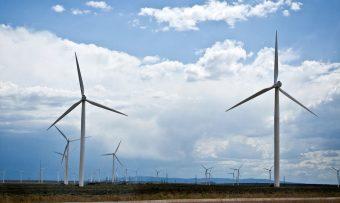 wyoming-wind-farm-1020x610